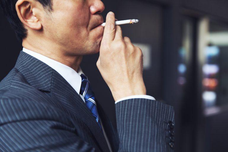 喫煙は歯周病や糖尿病のリスクを高めますか?